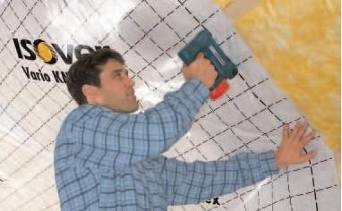 Aplikacia parozabrany v sikmej streche