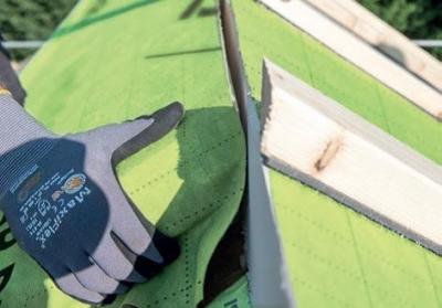 Úprava izolačné dosiek podľa sklonu strechy.