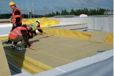 Postup vytvorenia ľahkej požiarne odolnej plochej strechy 13
