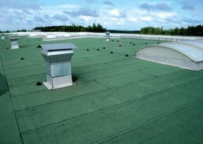 Postup vytvorenia ľahkej požiarne odolnej plochej strechy 38