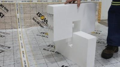 Zateplenie pochôdznej podlahy - Aplikácia nosných krížov ISOVER EPS