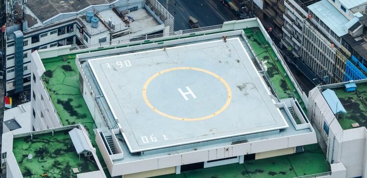 Ploche strechy ako stresne parkoviska a heliport