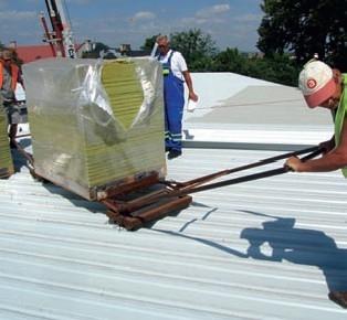 Rozmiestnenie izolacneho materialu na plochej streche