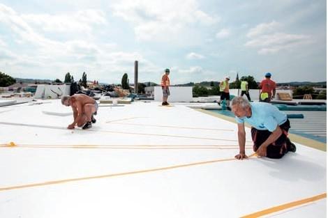 Postup vytvorenia ľahkej požiarne odolnej plochej strechy 15