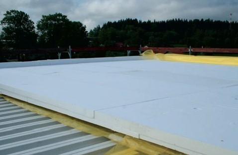 Postup vytvorenia ľahkej požiarne odolnej plochej strechy 29