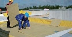 Postup vytvorenia ľahkej požiarne odolnej plochej strechy